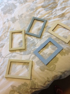 Mini project - Cheap old frames made fresh and new with paint